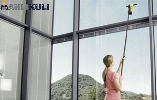 Cara Membersihkan Kaca Jendela Rumah Berkerak