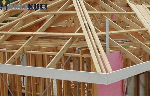 Perbaiki Konstruksi Atap Rumah